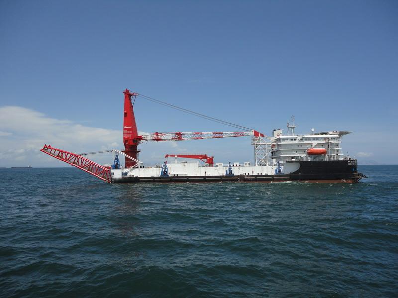 400吨起重铺管船